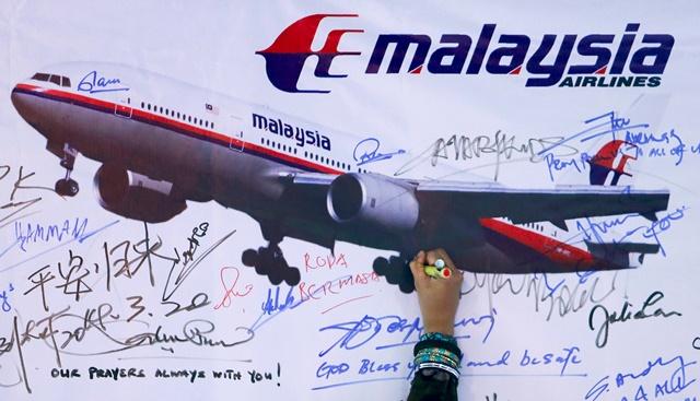 Keluarga Mangsa MH370 Protes Di China, Tidak Percaya Flaperon Milik Boeing 777