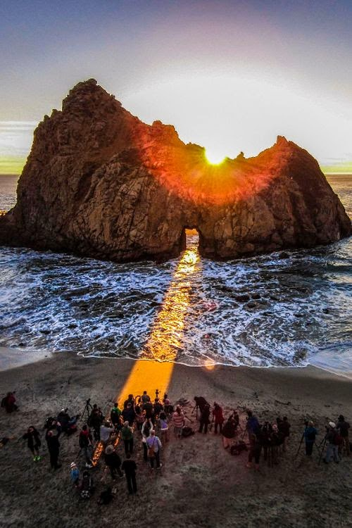 The most beautiful photos of sunset in Pfeiffer Beach, California
