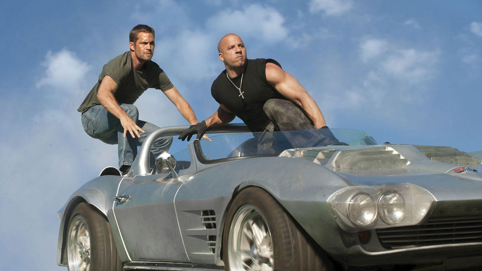 http://3.bp.blogspot.com/-Da1zrIAAhXM/Ta_a2afsS-I/AAAAAAAAAB4/i4Cpjn_Ix_k/s1600/Fast-Five-Film.jpg