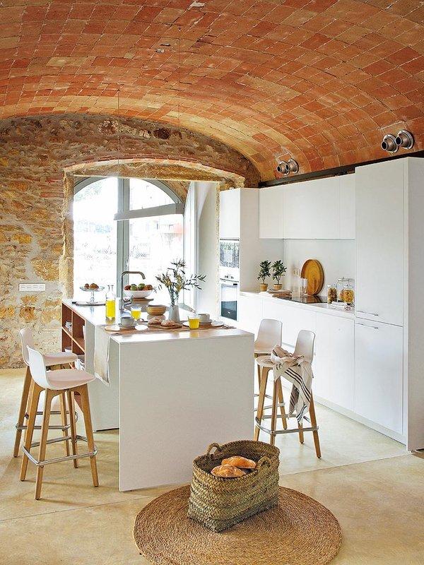 Un 39 affascinante casa rustica in spagna coffee break for Piani di casa contemporanea rustica