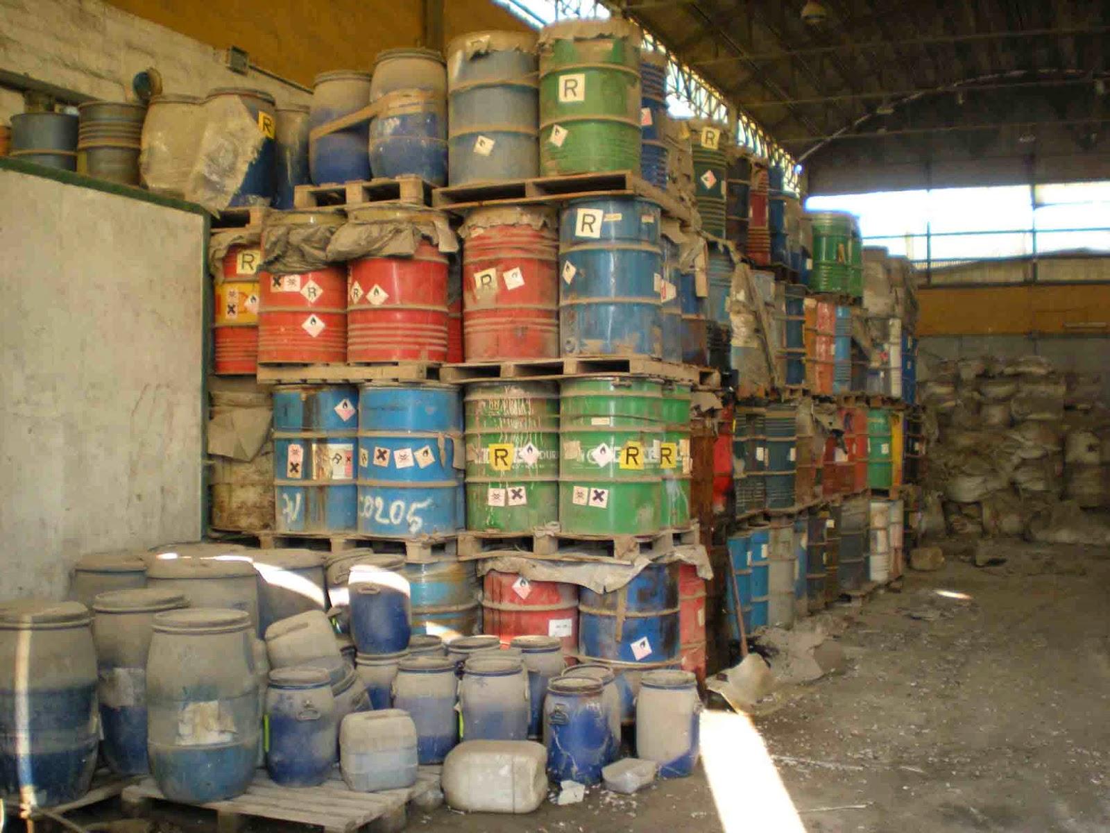 Su la testa in puglia abbandonati rifiuti pericolosi da for Luoghi abbandonati nord italia