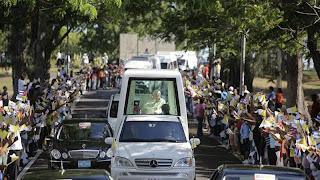 Cuba despide al Papa, quien criticó embargo de EE.UU
