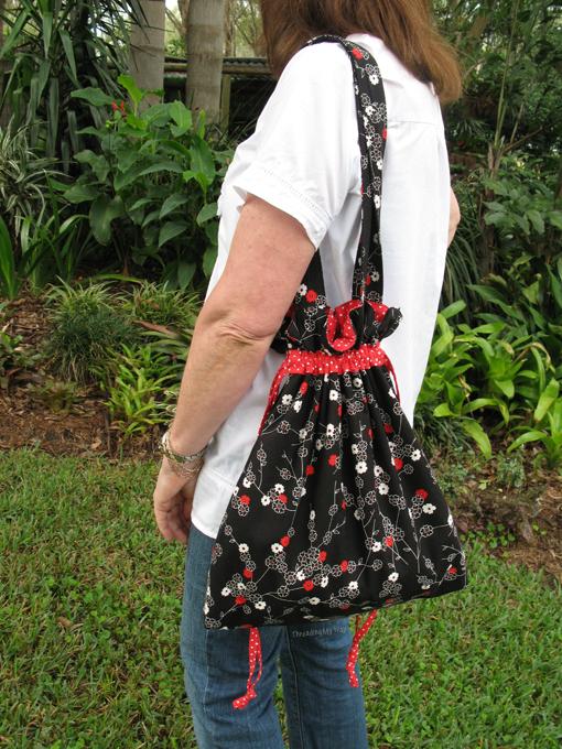 Drawstring Shoulder Bag Tutorial 81