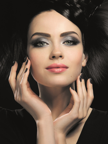 Glossy and Shine with Shimmer Look