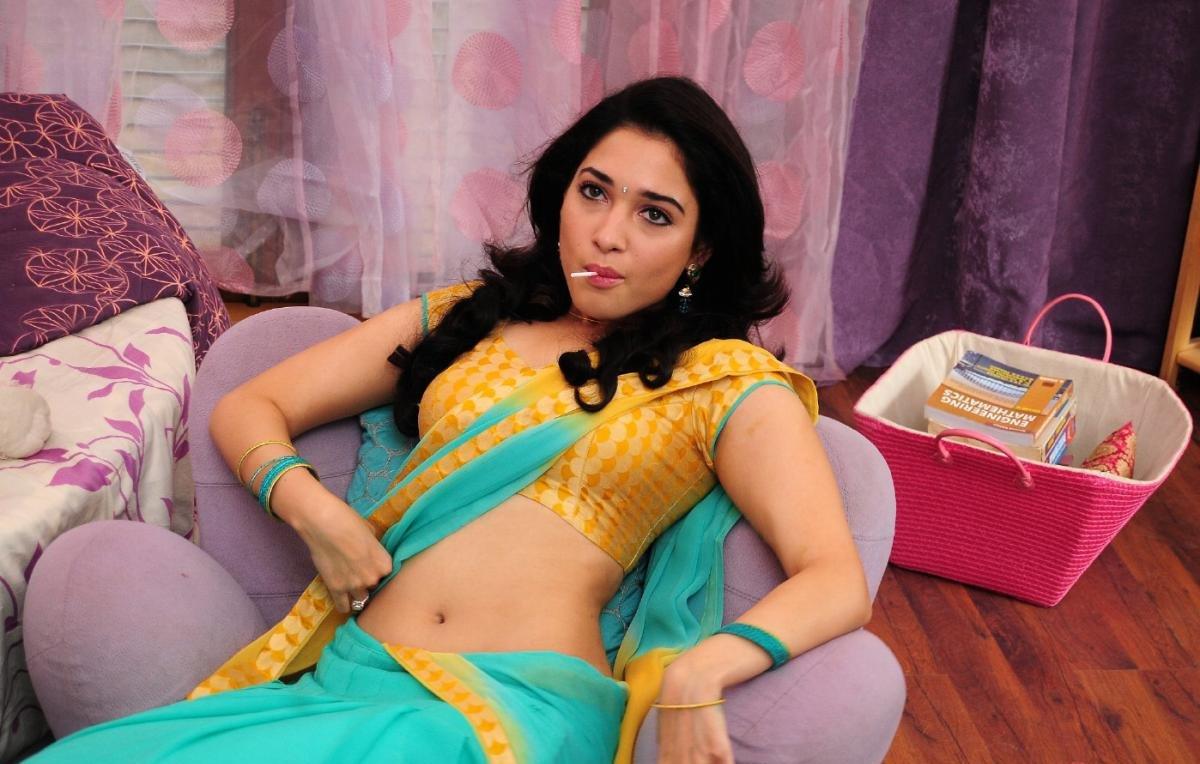 KOLLYWOOD MIRCHI: Tamanna hot navel show stills badrinath HQ