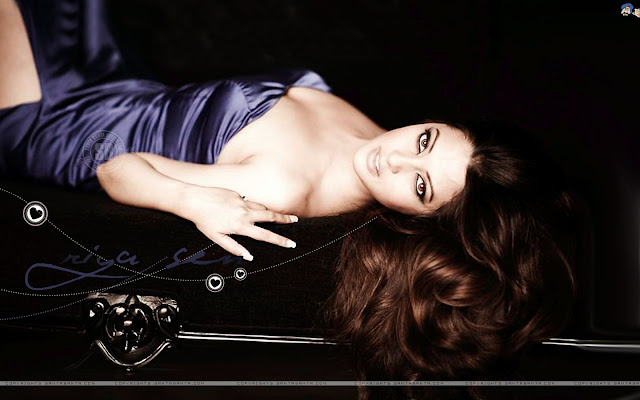 Riya Sen Latest Super Hot Wallpapers