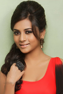 Suja Kumar Gorgeous looking Pictures 008.jpg
