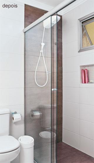 Uma casa para nós dois! Cerâmica que imita madeira -> Banheiro Com Piso Que Imita Pastilha