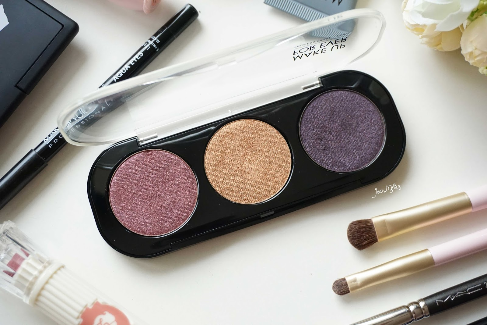 review, swatch, makeup forever, artist shadow,