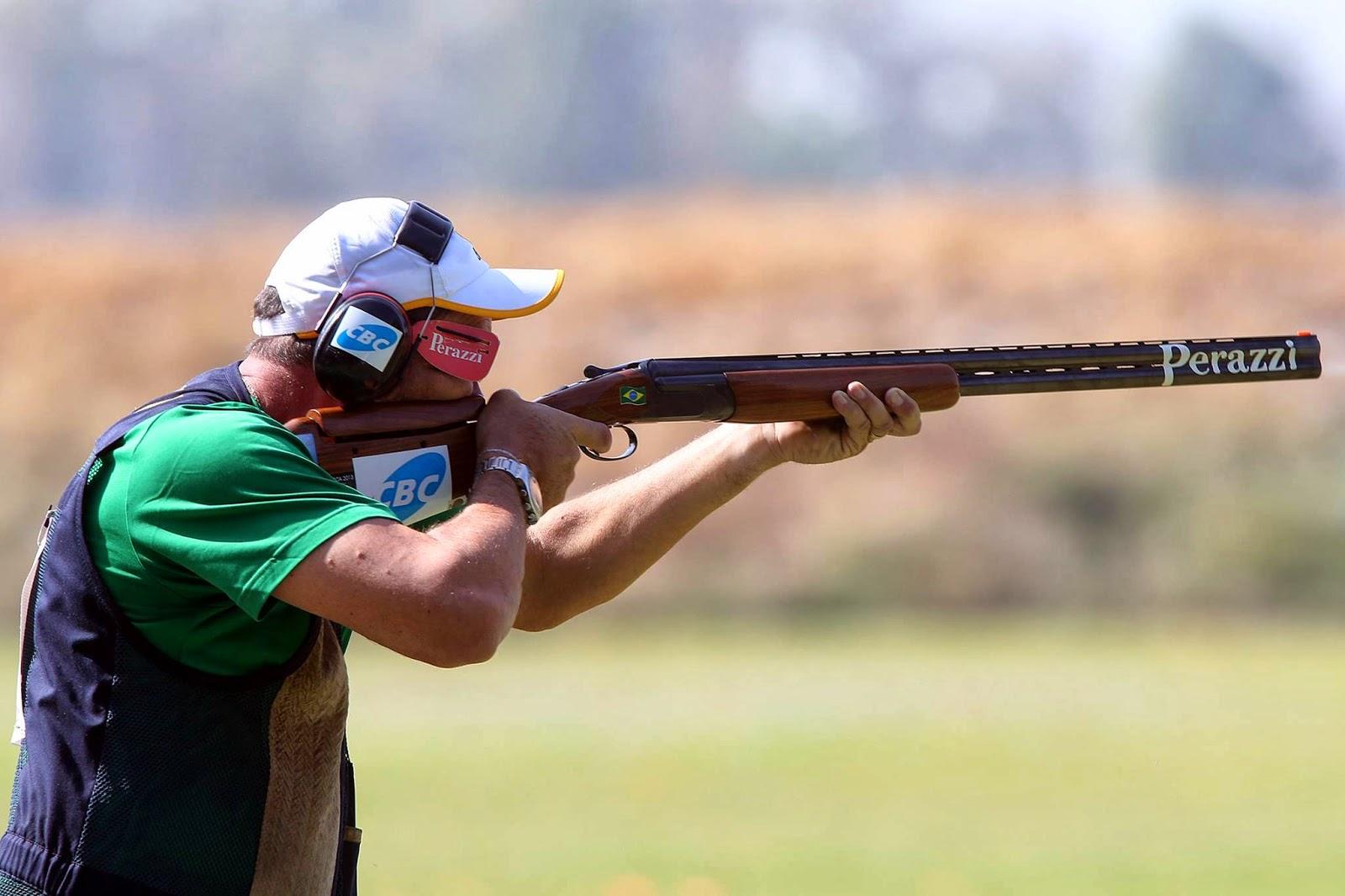 Roberto Schmits conquistou a prata na Fossa Olímpica em Santiago - Foto: Gaspar Nóbrega/Inovafoto/COB