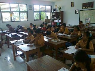 Strategi Pembelajaran Bahasa Indonesia SD Menyimak Berbicara