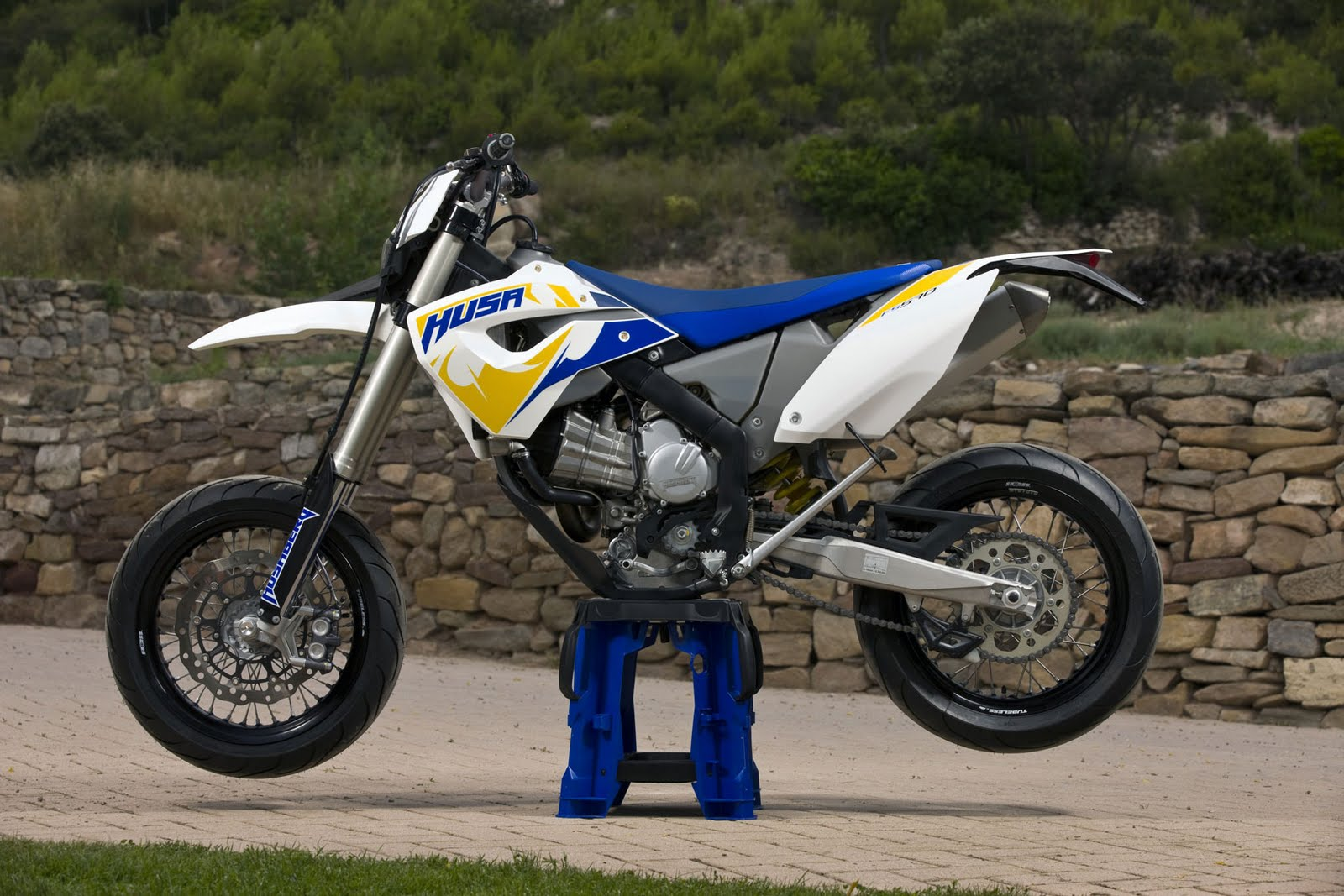 Motorcycle Pictures: Husaberg FS570 2011