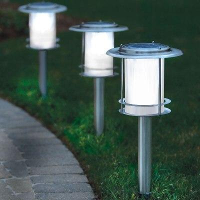 L mparas solares para exterior iluminaci n for Luces de exterior para jardin