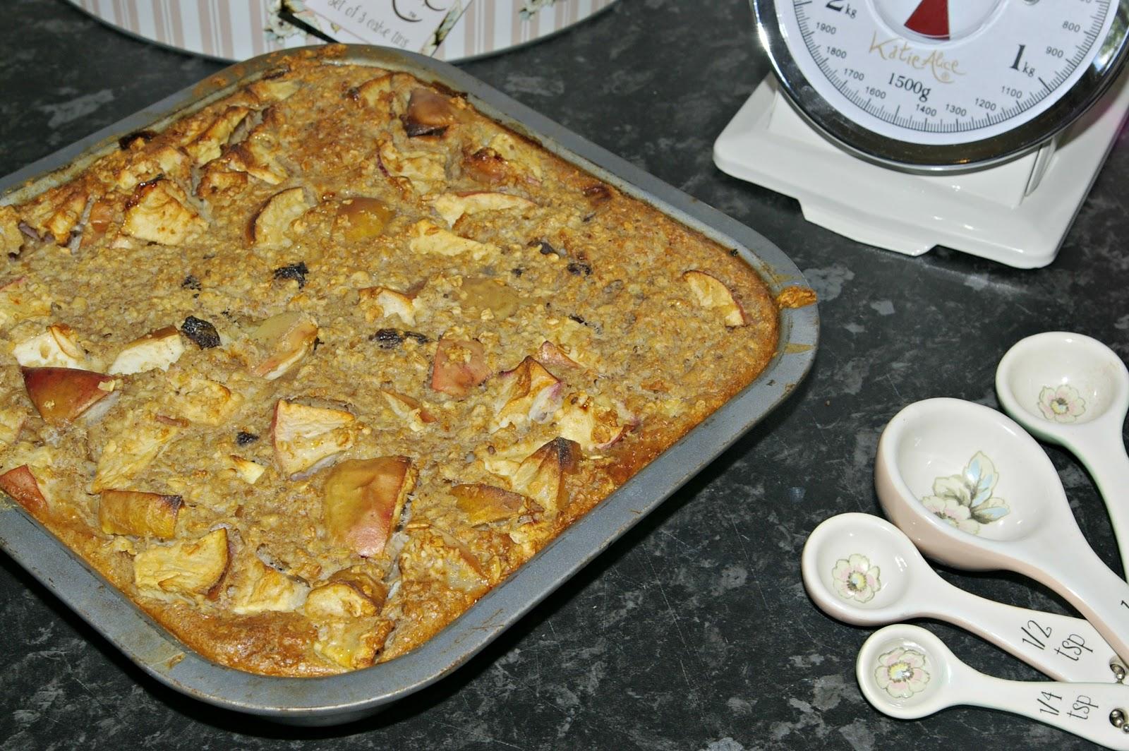 'Clean' Apple, Cinnamon & Raisin bake