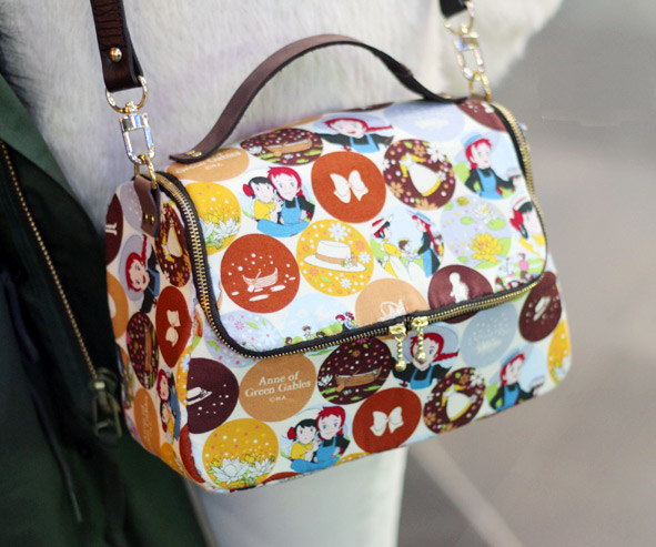 A zippered, lined tote bag for you to sew. DIY step-by-step tutorial. Симпатичная сумочка на молнии. Шьем сами.