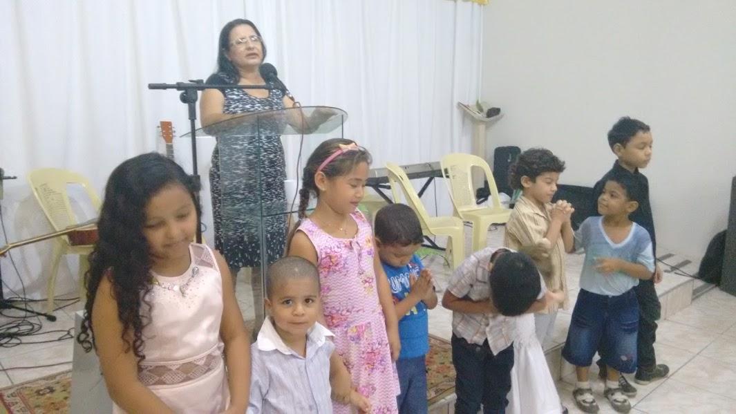 Orando com as crianças