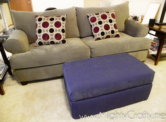 DIY Recovered Ottoman - www.MightyCrafty.me