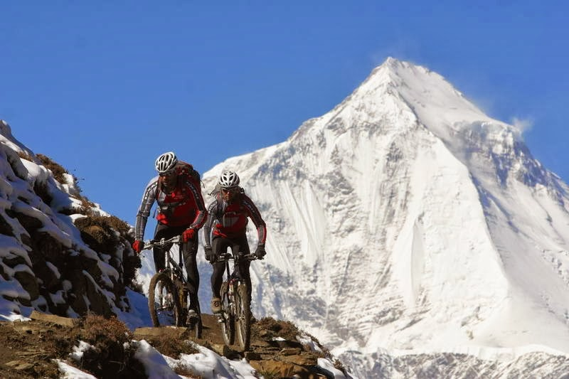 mountain bike, Holiday in Tibet, adventure in Tibet, holiday in Himalaya, mount everest, nepal, hindu temple, Shangri La Tibet, monastère bouddhiste