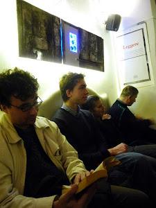 Un'installazione artistica durante un incontro del Circolo