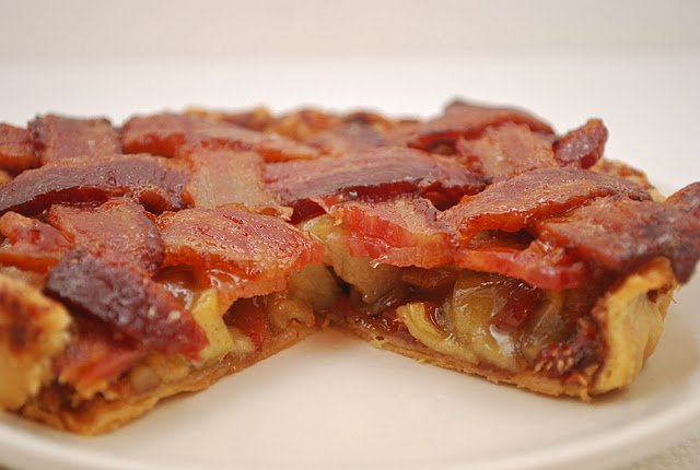 This. Changes. EVERYTHING. Bacon Apple Pie