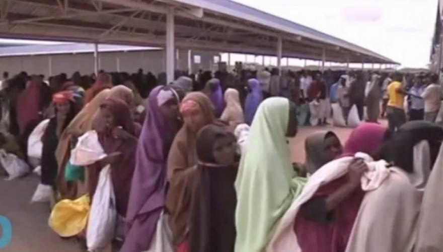 """Κακά μαντάτα Χριστιανοί! Η Κένυα διώχνει 400.000 Σομαλούς πρόσφυγες... Σιγά το νούμερο, """"όλοι οι καλοί χωράνε"""". Θα τους μαζέψει εδώ και αυτούς η κ. Τασία..."""