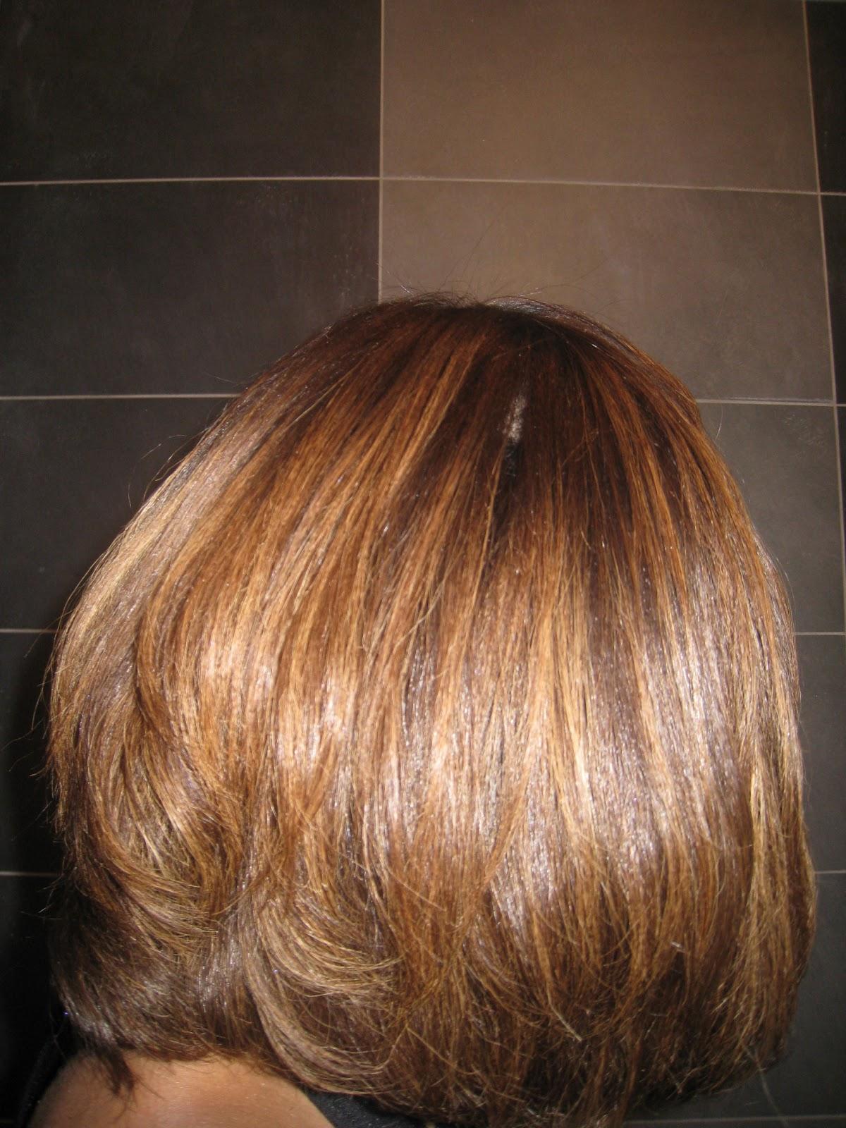 je suis vraiment satisfaite car mes cheveux sont beaucoup plus brillants la notice indique de faire le soin une semaine avant une couleur car il peut - Coloration Cheveux Revlon