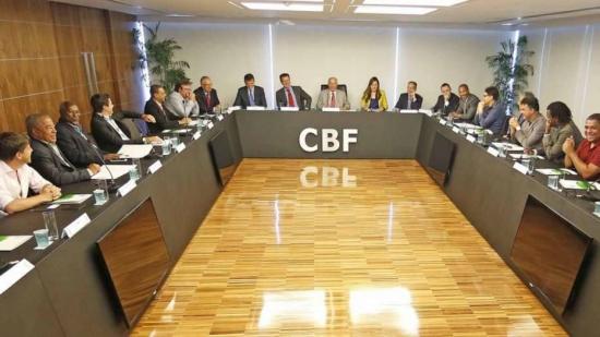 Em reunião na sede da CBF, Dunga e ex-jogadores discutiram sobre o futuro da seleção