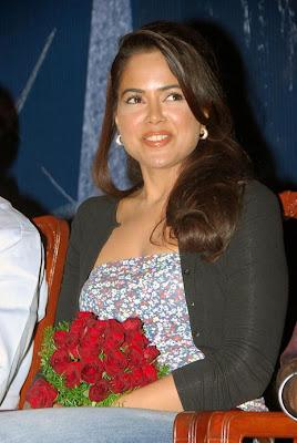 sameera reddy at an event actress pics