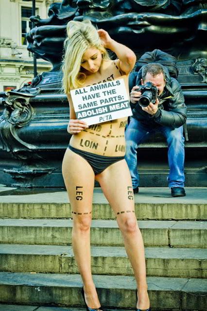 Photoshot/Укринформ:голый протест
