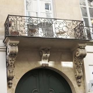 Balcon du 27 rue Danielle-Casanova à Paris