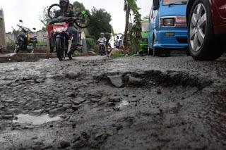 Jalan Rusak di Daerah Jawa Tengah