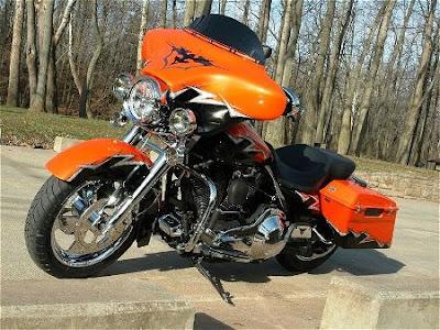 Harley-Davidson FLHT (FLHTI) Electra Glide Standard
