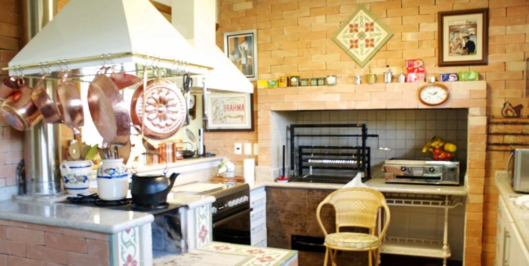 decoracao cozinha caipira:Fogão a lenha – veja lindos modelos em cozinhas modernas e caipiras