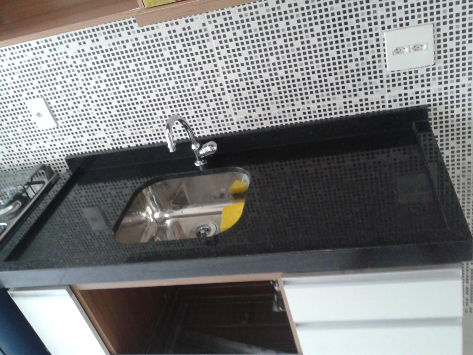 Meu primeiro Apartamento: Cozinha e lavanderia com granito instalado #634B3D 1600x1200