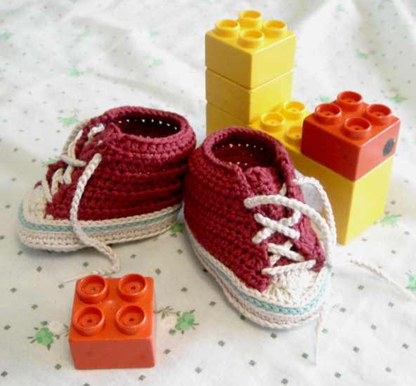Bajo una seta: Zapatillas para bebé