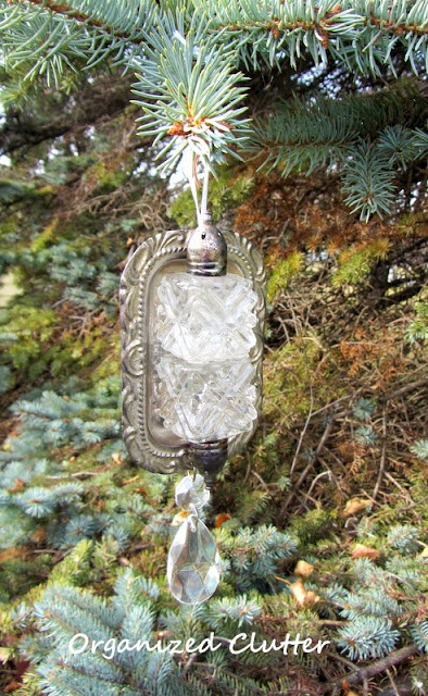 Re-purposed S & P Shaker Christmas Ornament  www.organizedclutterqueen.blogspot.com