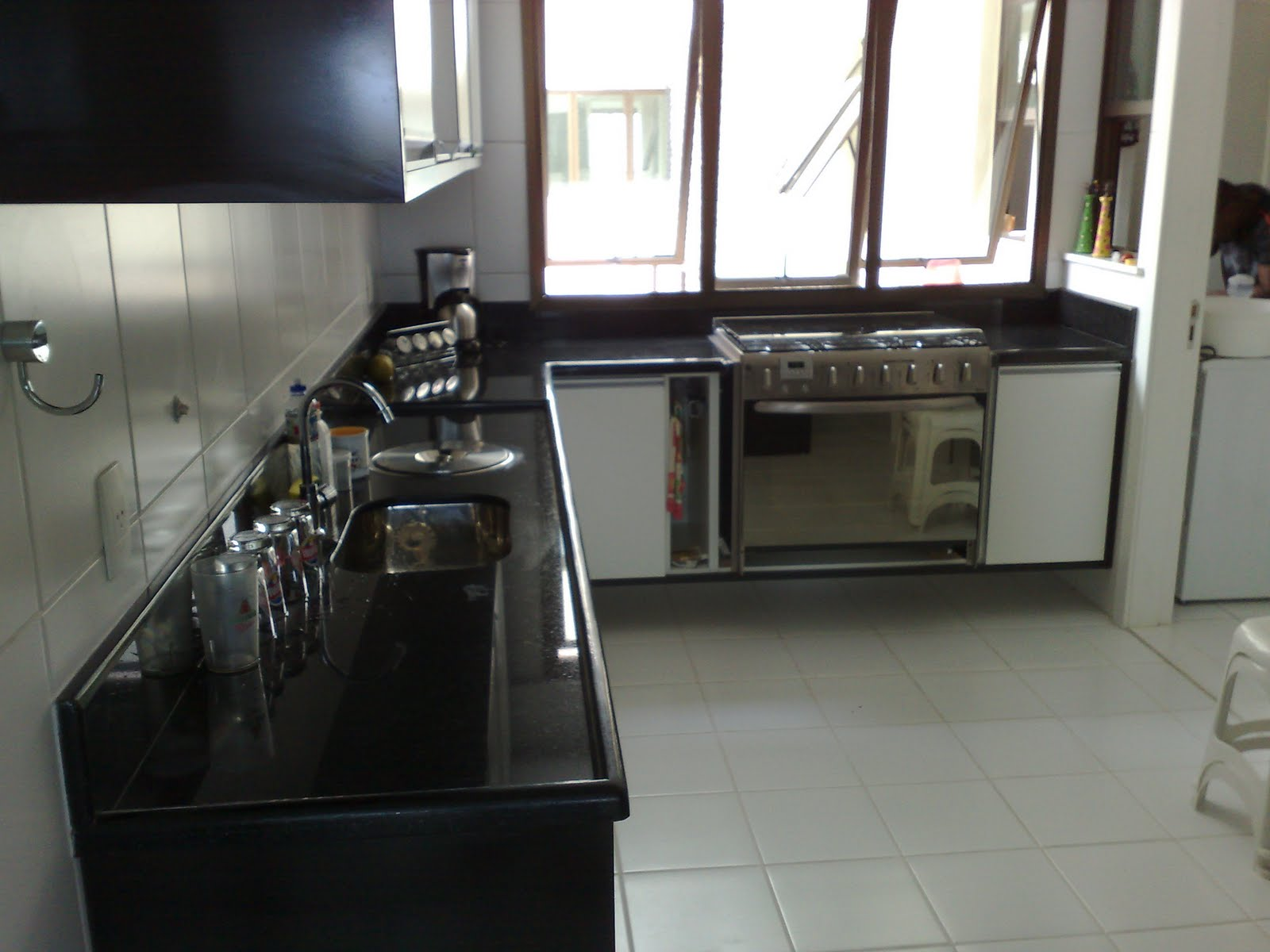 Bancada de Cozinha em Preto São Gabriel #5D4A42 1600 1200