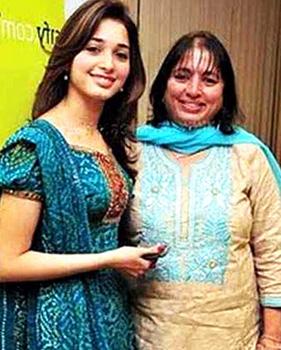 tamanna-bhatia-with-mother