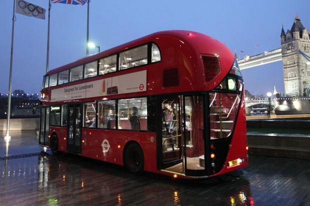 fotot Bus Tingkat dengena Model Keren