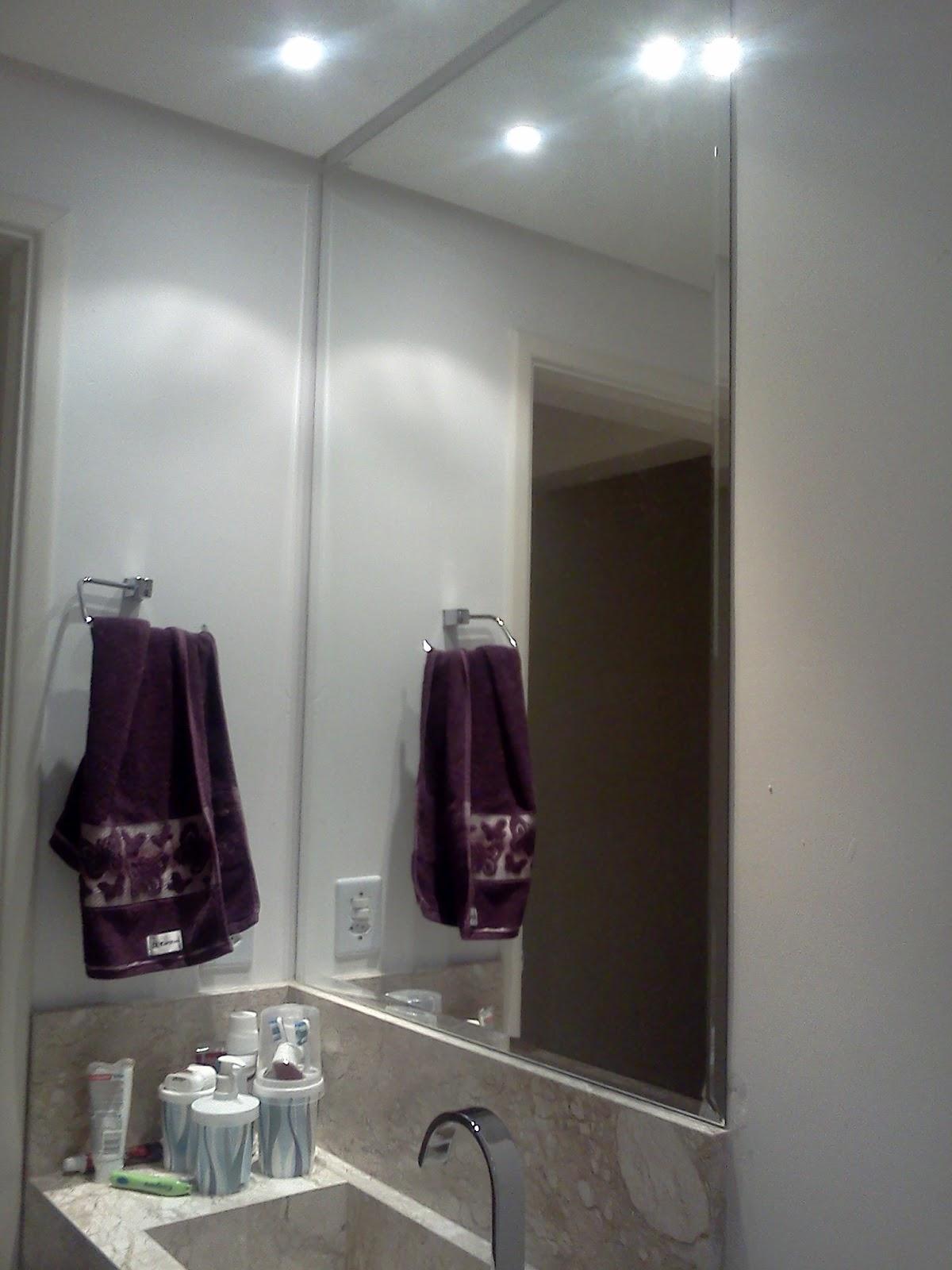 No meu quarto é perdurado por dois parafusos fica um espaço entre o  #2F2424 1200 1600