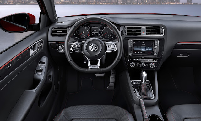Interior view of 2015 Volkswagen Jetta GLI