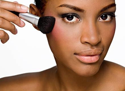 maquilhagem pele morena e negra
