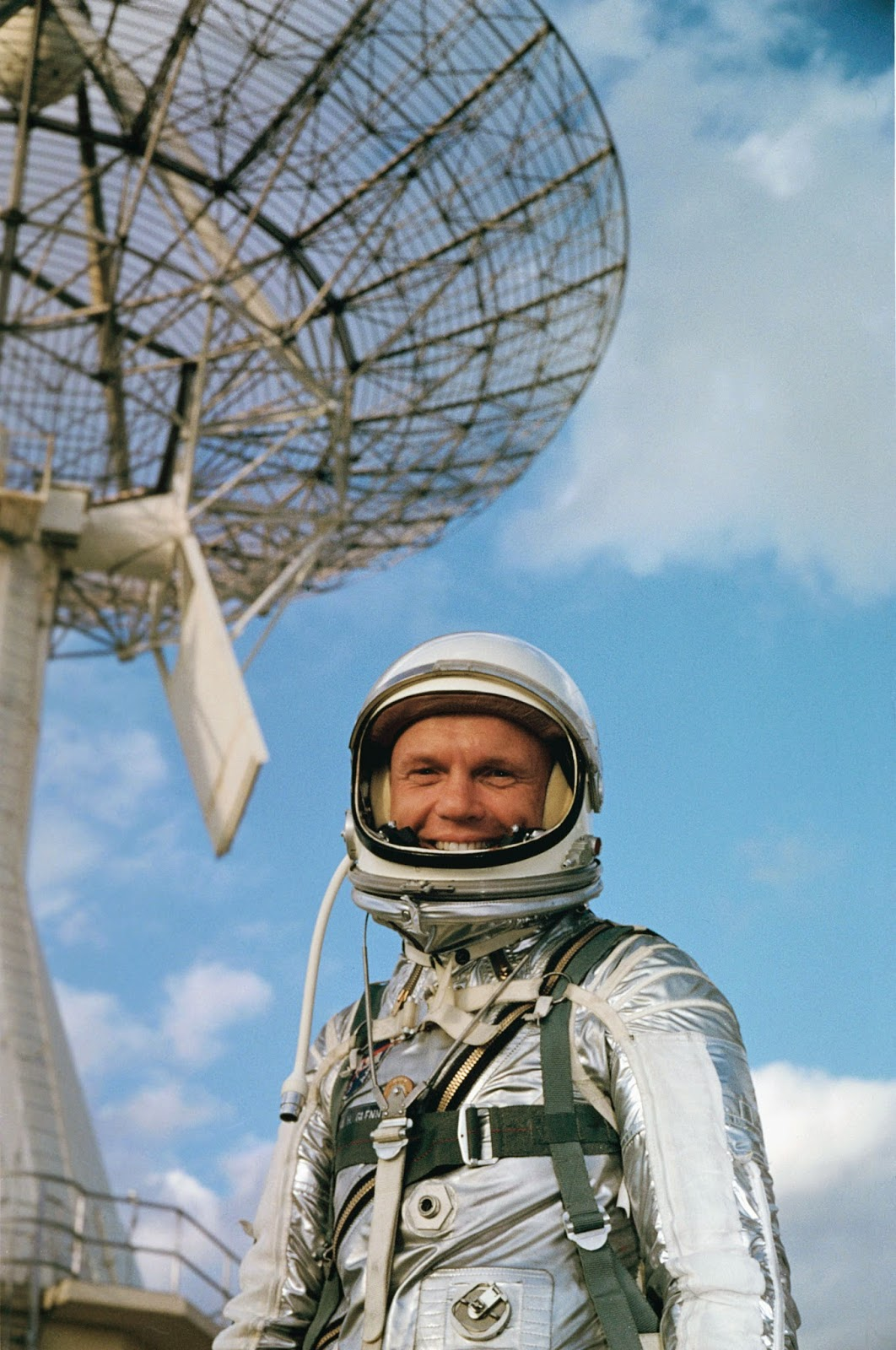 John Glenn, astronauta de la Mercury 6 antes del lanzamiento