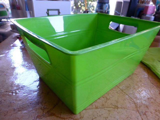 LIME GREEN PLASTIC STORAGE BIN