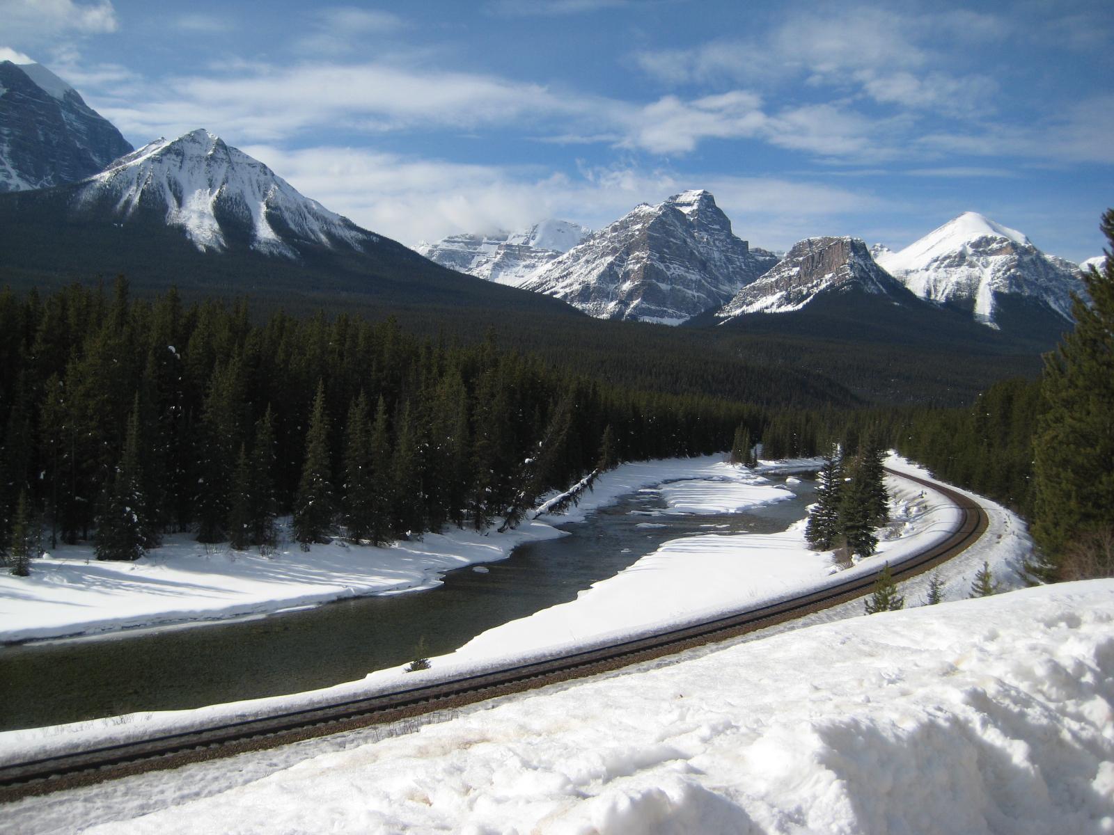 http://3.bp.blogspot.com/-DeegGHICXsk/Tfrov0ovrbI/AAAAAAAAFRM/Iw5Pv41iXt0/s1600/ws_Rocky_Mountains_Canada_1600x1200.jpg