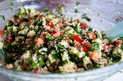 tabouleh con pollo e verdure