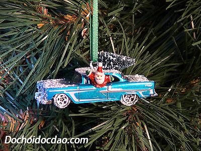 Trang Trí Noel Với Xe Đồ Chơi Hotwheel