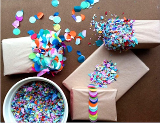 http://classisalwaysinstyle.tumblr.com/post/13462150442/a-ladys-findings-love-this-dipping-confetti