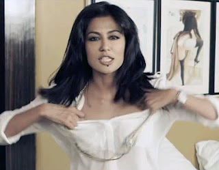 Chitrangada Singh as Maya Luthra in Sudhir Mishra's Inkaar, Maya strips in a fit of anger, tears her clothes apart, Directed by Sudhir Mishra