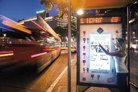 cartelería exterior ciudades, dooh, dooh digital signage, dooh ciudades futuro